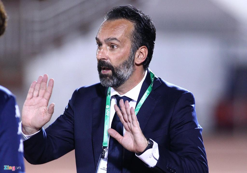 HLV Italy va cong su vay ban trong tai de phan ung hinh anh 6 HLV_italy_tphcm_zing_2.jpg