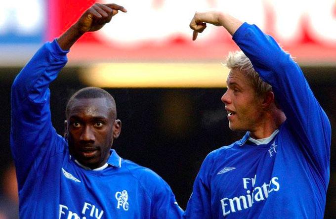 Họ cùng nhau ghi 52 bàn trong mùa giải 01-02