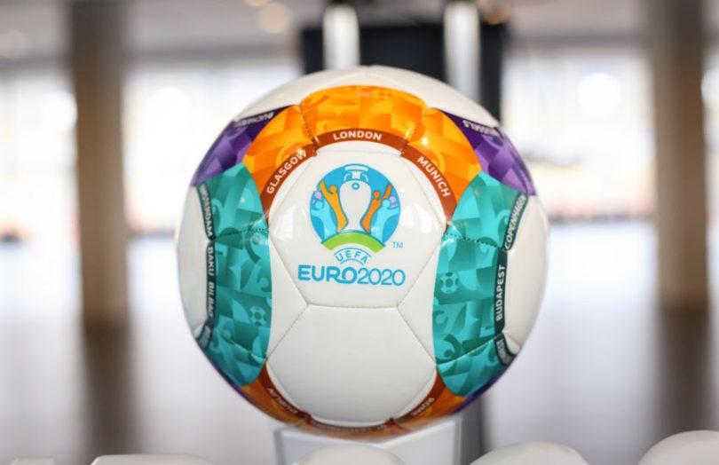 CHOÁNG! UEFA