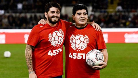 Cay đắng hành trình tìm cha của con trai Maradona