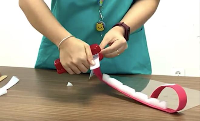 Phòng dịch COVID-19: Bác sĩ hướng dẫn làm nón kính bảo hộ, ai cũng làm được - ảnh 4