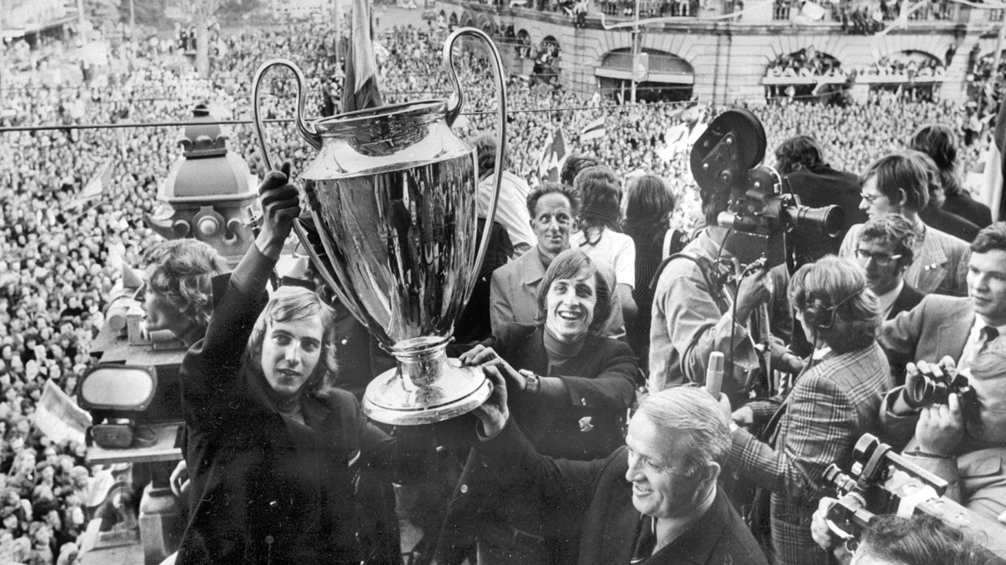Ajax 120 tuổi - Bóng Đá