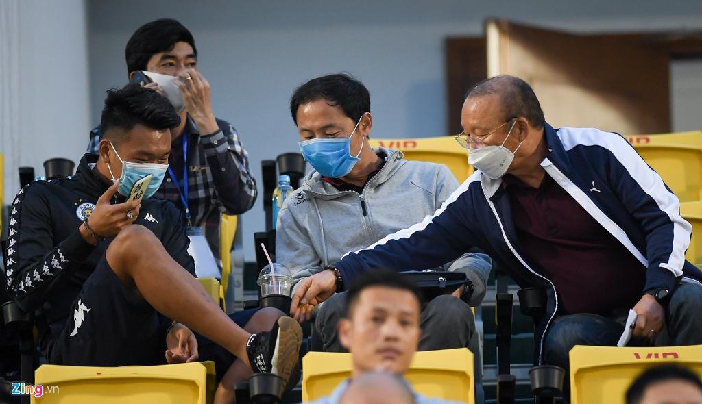 Thay Park hoi tham Thanh Chung khi toi xem tran dau o san Cam Pha hinh anh 1 2_Park_Hang_seo_zing4.jpg