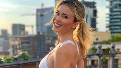 Nữ nhà báo bị ultra Napoli đòi xem ngực đi tránh Covid-19 vẫn hút mắt