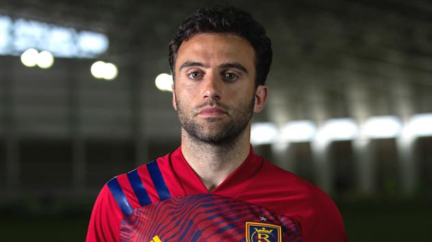 10 cựu sao Man Utd còn đang thi đấu mà có thể bạn không để ý  - Bóng Đá