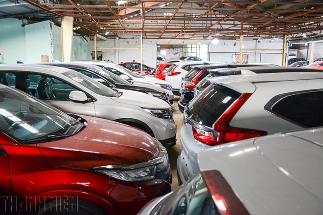 Ô tô nhập khẩu về ồ ạt, sức mua giảm làm tăng lượng xe tồn kho - ảnh 1