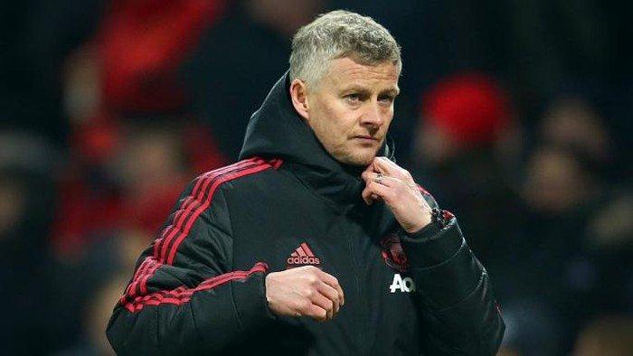 Manchester United will back Solskjaer in coronavirus-impacted transfer window - Woodward - Bóng Đá