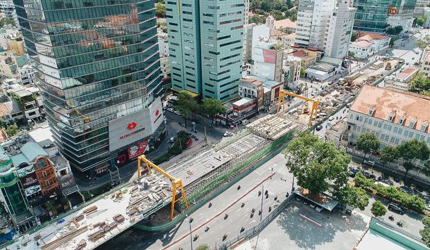 Chùm ảnh cầu Thủ Thiêm 2: Cây cầu dây văng hiện đại nối quận 1 với khu đô thị mới quận 2 đang gấp rút hoàn thiện - Ảnh 3.