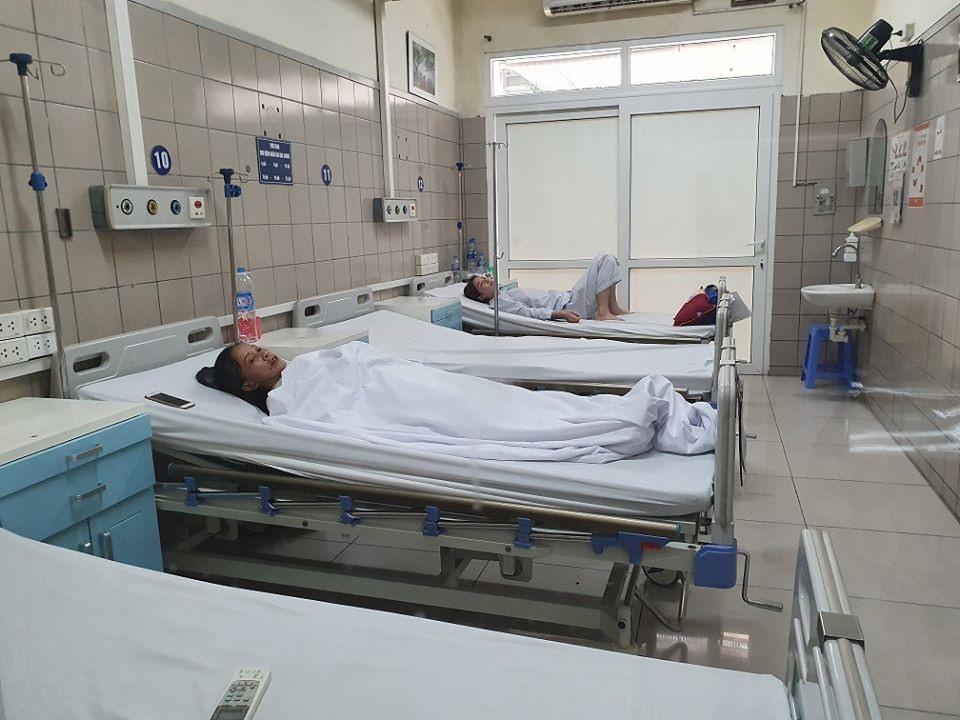 Bệnh nhân M điều trị tại Bệnh viện Bạch Mai. Ảnh: Mai Thanh