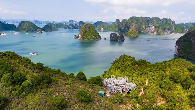 Khám phá hòn đảo thiên đường trên vịnh Hạ Long - ảnh 1