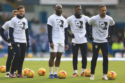 Các cầu thủ Leeds United mặc áo tri ân Gary Speed