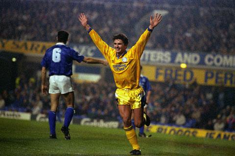 Gary Speed ăn mừng trong màu áo Leeds United, đội bóng anh gắn bó lâu nhất sự nghiệp cầu thủ