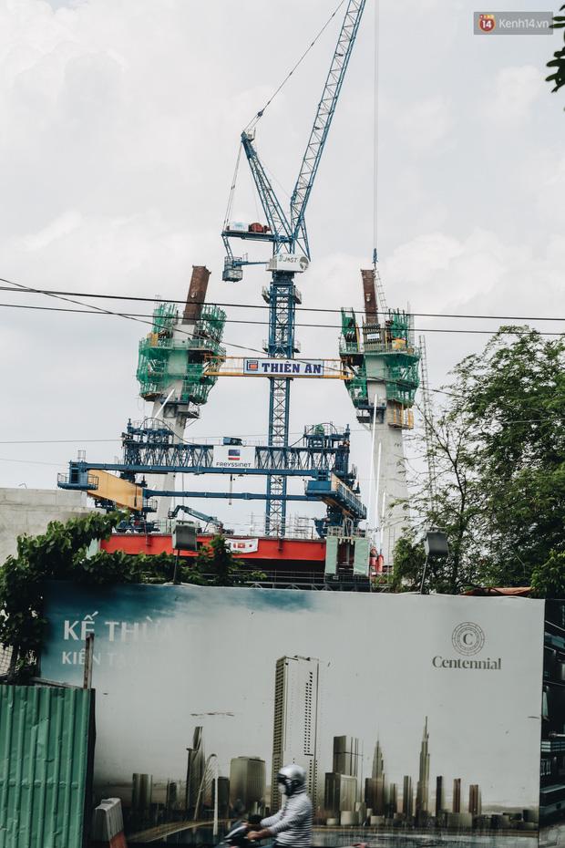 Chùm ảnh cầu Thủ Thiêm 2: Cây cầu dây văng hiện đại nối quận 1 với khu đô thị mới quận 2 đang gấp rút hoàn thiện - Ảnh 14.