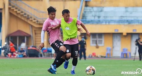 ẢNH Hà Nội FC tung 3 quả bóng vàng ra sân trước trận gặp Đồng Tháp hình ảnh 2