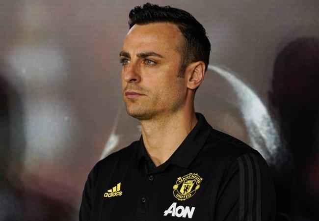 Từ Berbatov đến Zaha: 9 cầu thủ nốt gót Sir Alex chia tay Man Utd - Bóng Đá