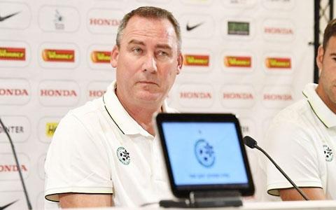 Meulensteen chỉ có thể ngồi ghế nóng của Maccabi Haifa được 6 tháng vì chủ đội bóng này quá thiếu kiên nhẫn