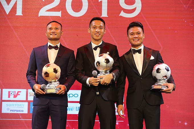 Ba cầu thủ đoạt 3 danh hiệu nam cao quý nhất năm 2019 - Ảnh: Quốc An