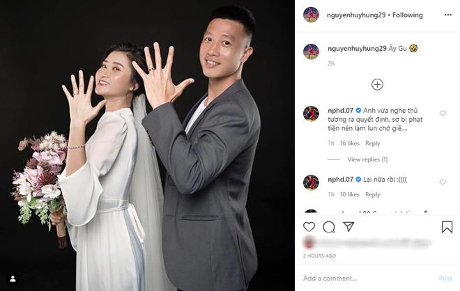 Tiền vệ Huy Hùng (tuyển Việt Nam) đăng ảnh cưới, Hồng Duy liền cà khịa: Sợ bị phạt tiền đây mà - Ảnh 1.