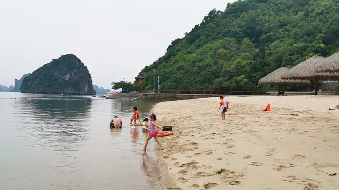 Khám phá hòn đảo thiên đường trên vịnh Hạ Long - ảnh 4
