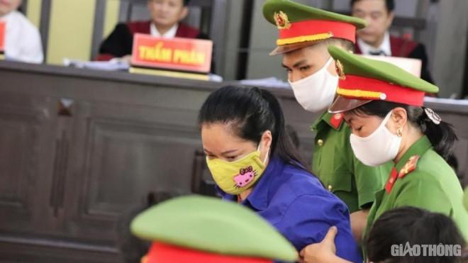 """Xét xử gian lận ở Sơn La: Nhận hơn 1 tỷ tiền cảm ơn vì """"phụ huynh có lòng"""" - 3"""