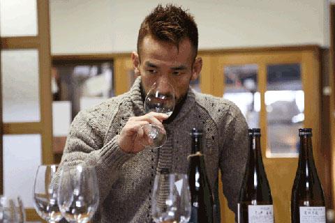 Hidetoshi Nakata muốn thế giới biết nhiều hơn tới sake và đón nhận sake nhiều hơn