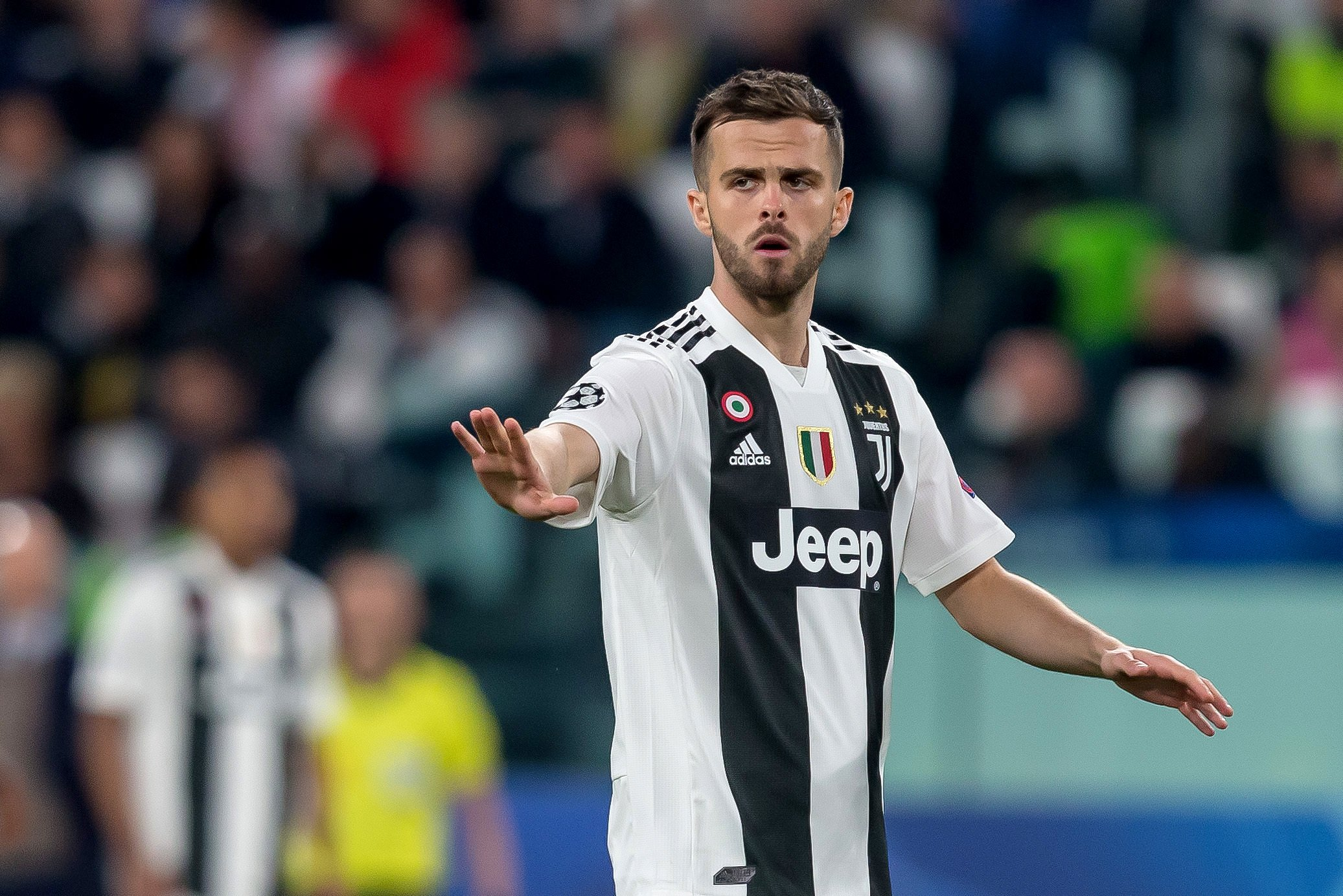 Report: Miralem Pjanic has said 'yes' to a move to Barcelona - Bóng Đá