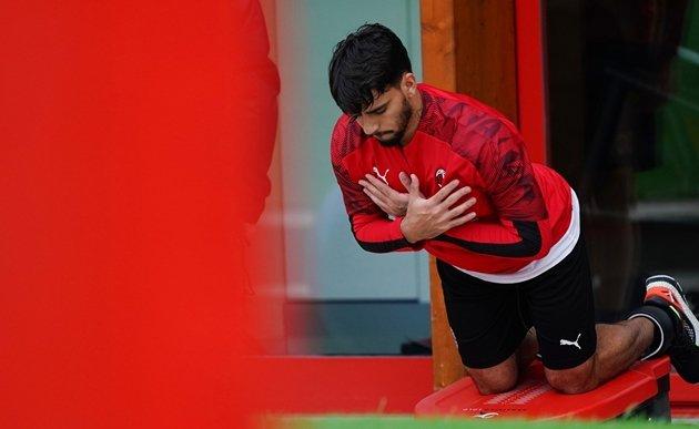 Ảnh Ibrahimovic quay trở lại tập luyện cùng AC Milan - Bóng Đá