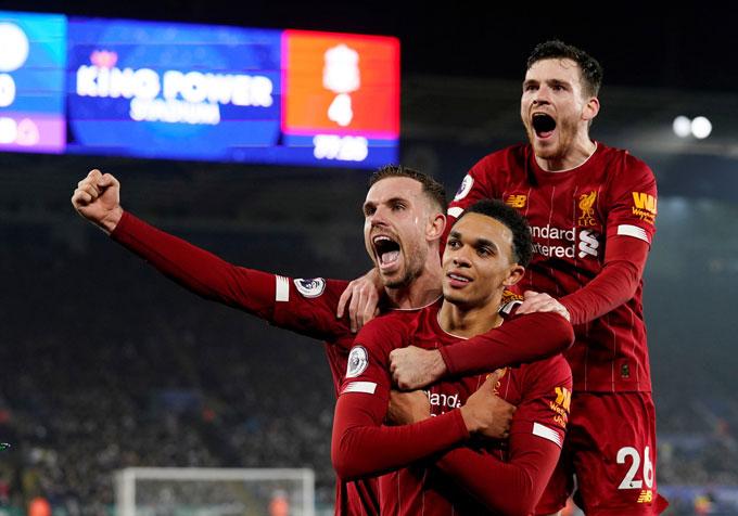Liverpool xô đổ nhiều kỷ lục