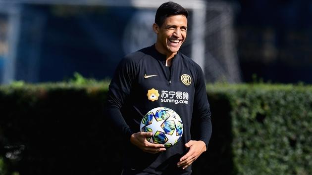 Ole Gunnar Solskjaer đồng ý để Sanchez ở lại Inter Milan - Bóng Đá