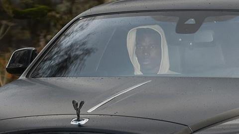 Pogba bị cảnh sát giám siêu xe 1 tuần