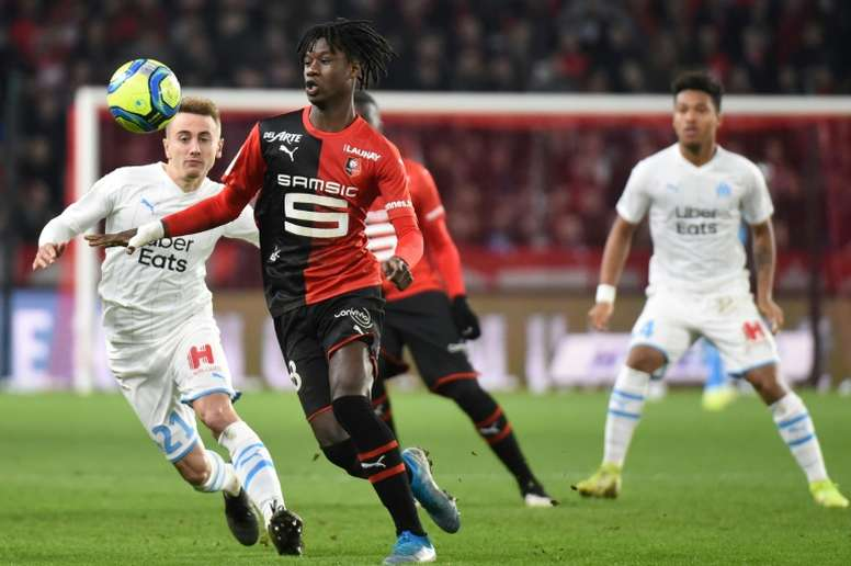 Eduardo Camavinga could be in line for a new contract, according to Goal.com, which will see the midfielder stay at Rennes for another season - Bóng Đá