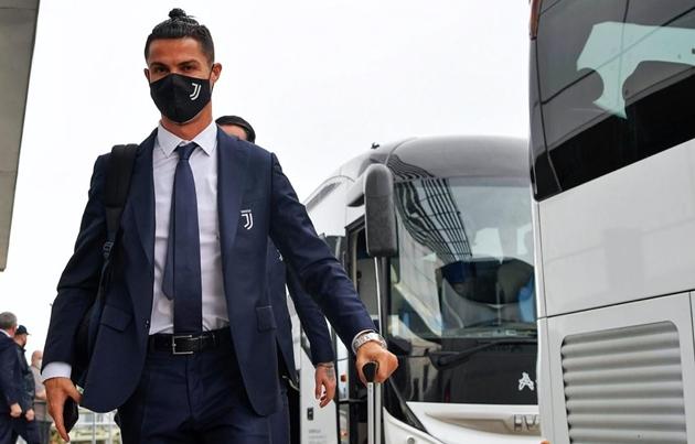 Ảnh Juventus hành quân đến Roma - Bóng Đá