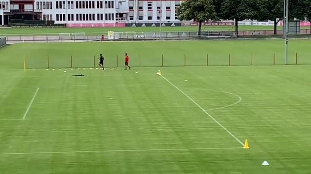 Arjen Robben training at Säbener Straße today, with a trademark goal - Bóng Đá