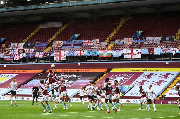 Trên sân của Aston Villa trong trận đấu đầu tiên của Premier League giai đoạn trở lại chỉ có khán đài trống và âm thanh giả lập