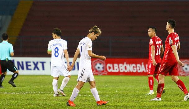 Văn Toàn ân hận vì hành động xấu hổ trong trận đấu với SHB Đà Nẵng