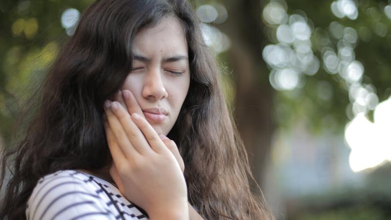 cách chữa nhiệt miệng - đau