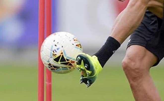 Kinh ngạc Ronaldo đến tập sớm 4 tiếng, khoe giày và đồ lót mới cực xịn - 2