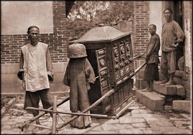 Loạt ảnh quý giá phản ánh chân thật cuộc sống người Trung Quốc trong giai đoạn biến động từ cuối thời nhà Thanh đến thời Dân Quốc - Ảnh 2.