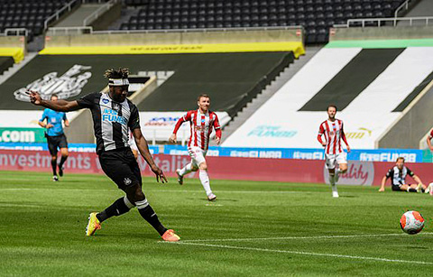 Saint-Maximin mở tỷ số trận đấu