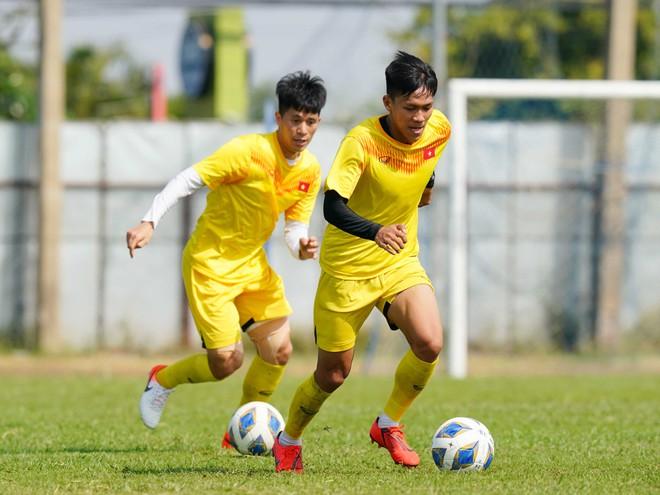 HLV Park Hang-seo gọi 28 cầu thủ U.22 Việt Nam, không có quân của Hà Nội - ảnh 1