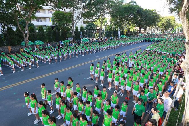 Ấn tượng với màn thể dục đồng diễn tại 'Ngày chạy Olympic vì sức khỏe toàn dân' - ảnh 1