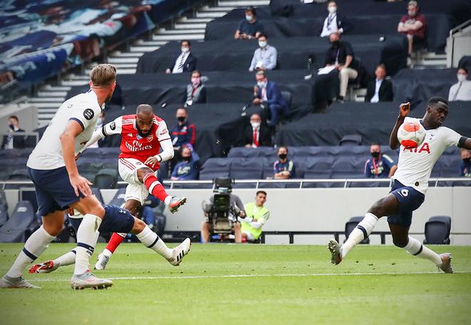 Kết quả vòng 35 Ngoại hạng Anh: Tottenham ngược dòng hạ Arsenal - ảnh 1