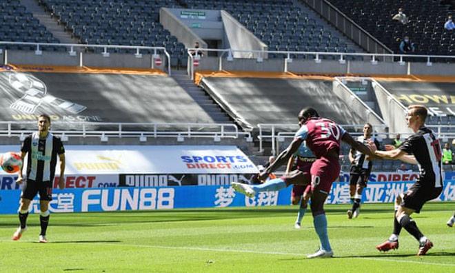 Video highlight trận Newcastle - West Ham: Rượt đuổi ngoạn mục, cơn mưa bàn thắng - 1