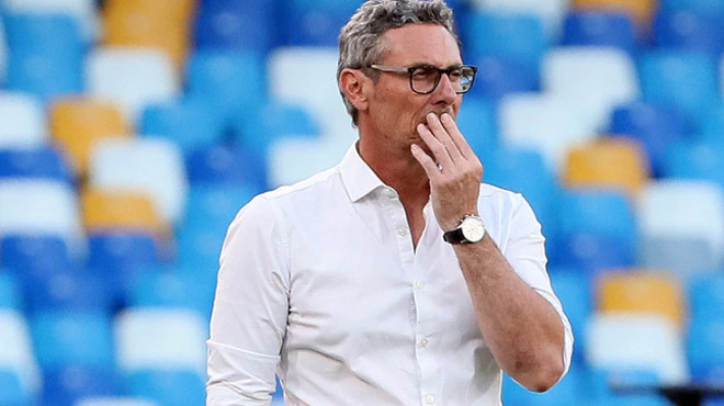Juventus hụt vô địch Serie A: HLV Sarri mắng học trò, bị đối thủ cà khịa - 3