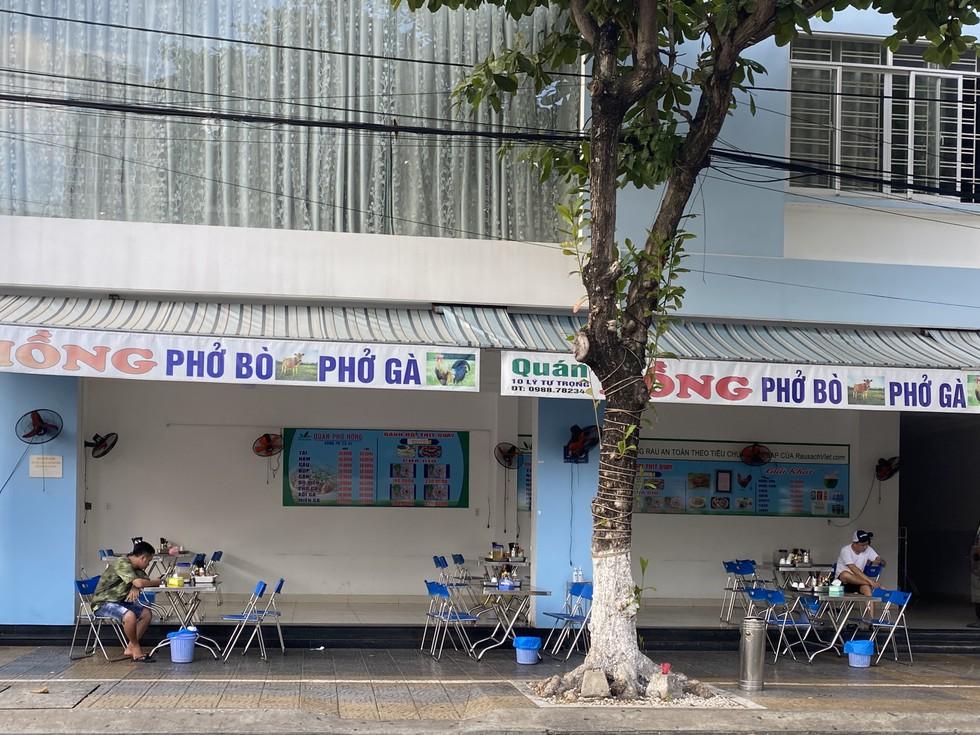 Cận cảnh nhịp sống Đà Nẵng trước giờ giãn cách xã hội phòng Covid-19 - ảnh 3