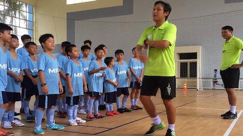 Cựu thủ quân ĐT Việt Nam dạy bóng đá cộng đồng