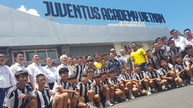 Thăm học viện Juventus, Chủ tịch Quốc hội Nguyễn Thị Kim Ngân gọi tên Trần Công Minh - ảnh 3