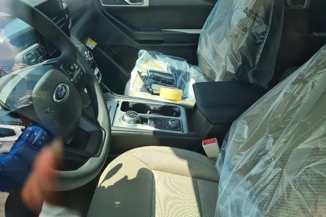 Ford Explorer 2020 phiên bản 'thiếu' không chính hãng về Việt Nam - ảnh 2
