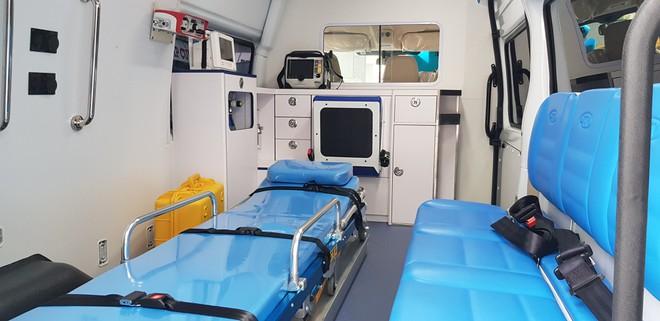 TP.HCM: Trung tâm cấp cứu 115 được tặng xe cứu thương nhập khẩu - ảnh 1