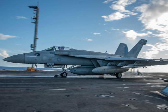Hải quân Mỹ thao diễn rầm rộ ở Biển Đông và vùng lân cận - ảnh 2